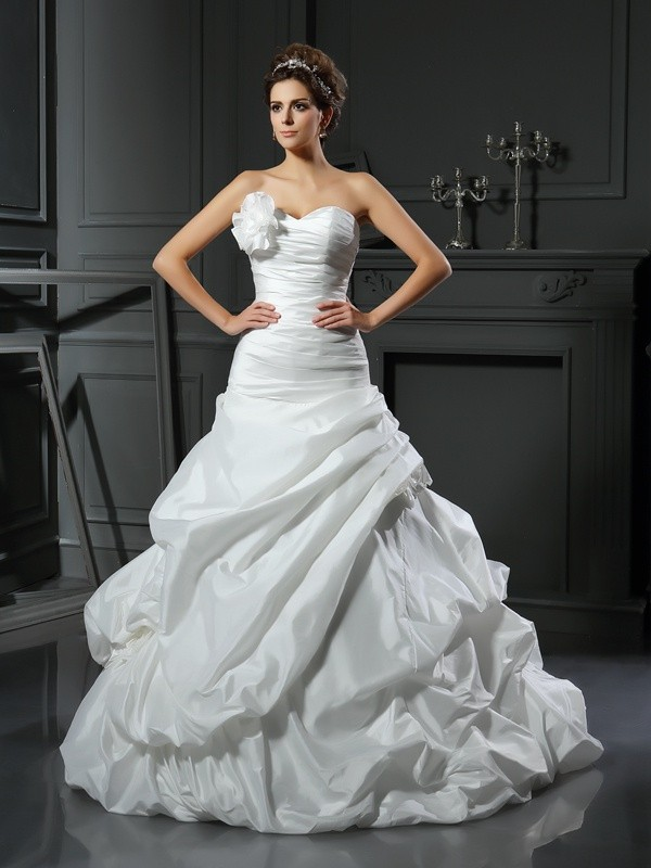 Creative Courage Ball Gown Sweetheart Hand-Made Flower Long Satin Wedding Dresses