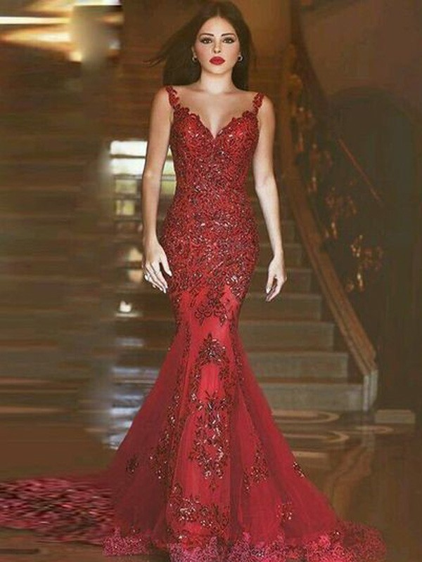 Yours Truly Mermaid Style V-neck Sweep/Brush Train Applique Tulle Dresses