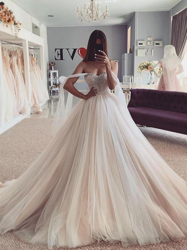 Ball Gown Sweetheart Tulle Beading Sleeveless Court Train Wedding Dresses