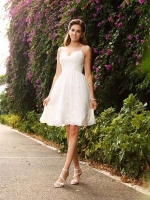 Intuitive Impact Princess Style Spaghetti Straps Applique Short Lace Wedding Dresses