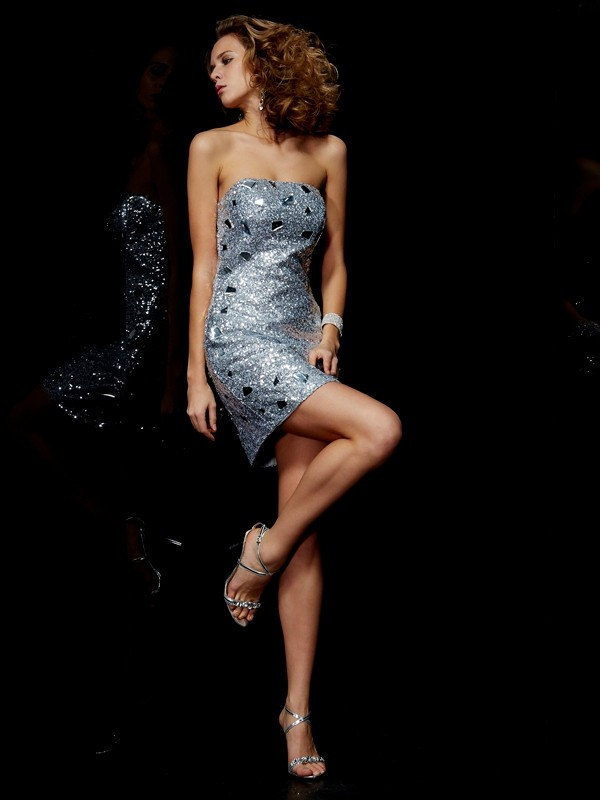 Creative Courage Sheath Style Strapless Lace Short Lace Homecoming Dresses