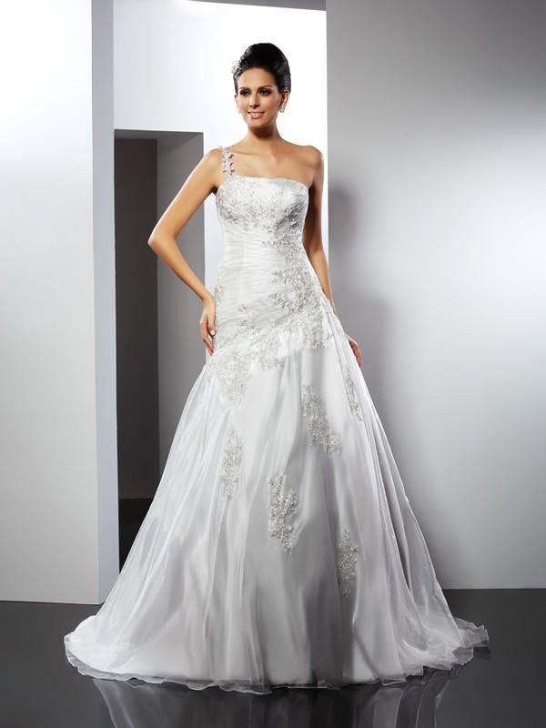 Savor the Occasion Princess Style One-Shoulder Applique Long Satin Wedding Dresses
