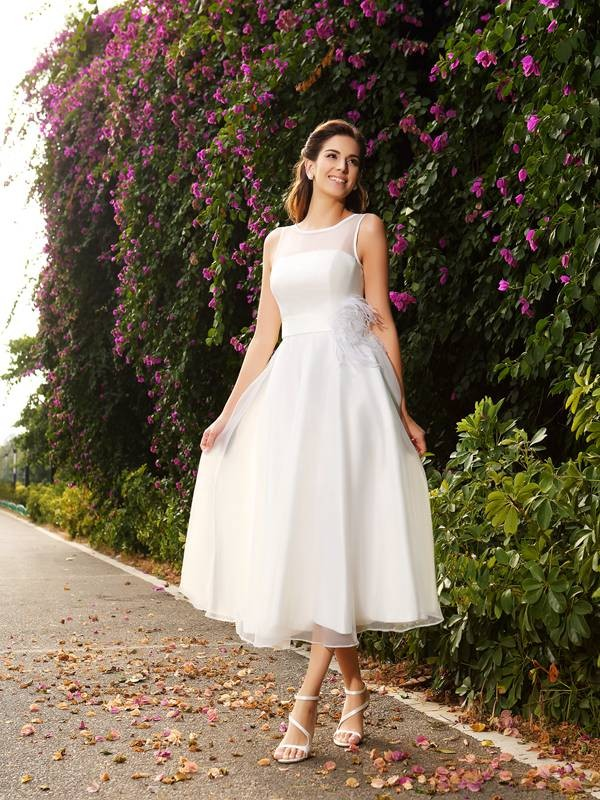 Lively Identity Princess Style Bateau Sash/Ribbon/Belt Long Satin Wedding Dresses