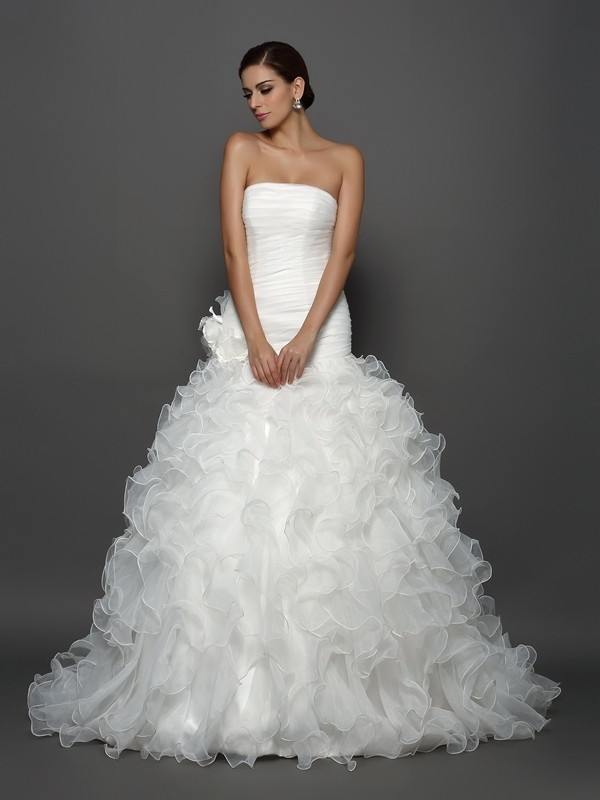 Comfortably Chic Ball Gown Strapless Hand-Made Flower Long Organza Wedding Dresses