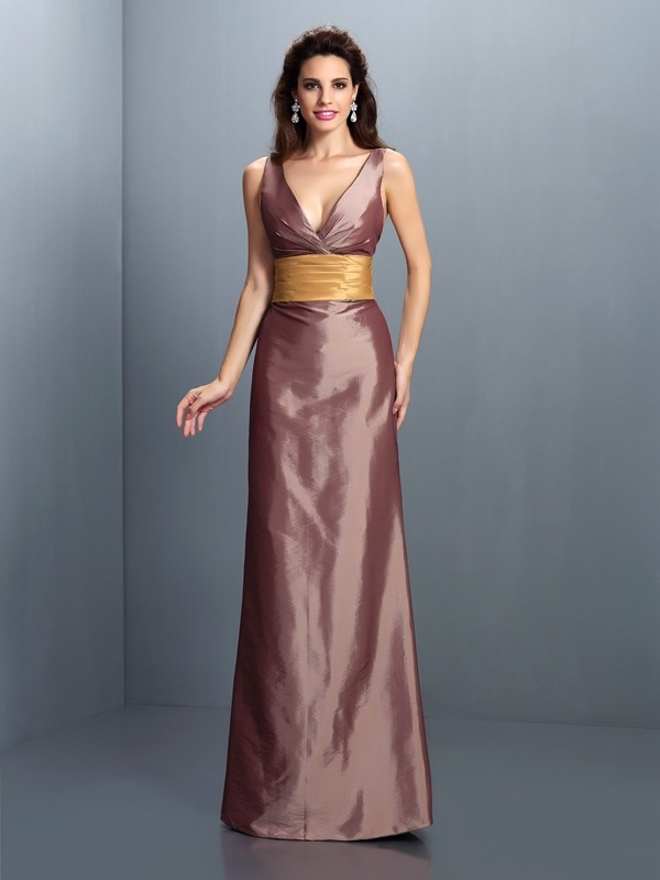 Lively Identity Sheath Style V-neck Pleats Long Taffeta Dresses