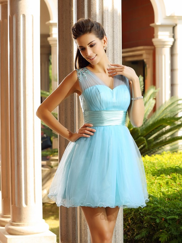 Glitz the Spot Princess Style V-neck Pleats Short Net Cocktail Dresses
