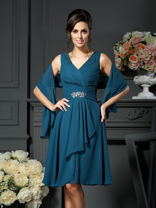 Lively Identity Princess Style V-neck Beading Short Chiffon Mother of the Bride Dresses