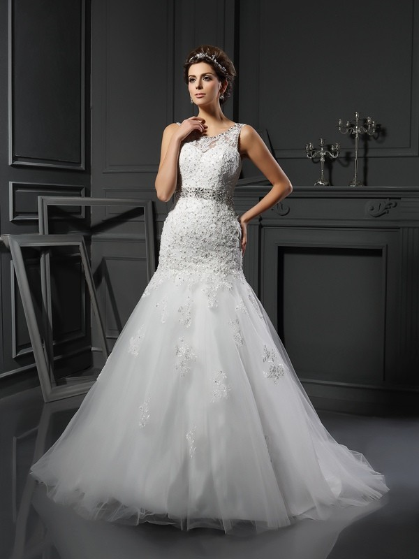 Romantic Vibes Sheath Style Scoop Applique Long Net Wedding Dresses