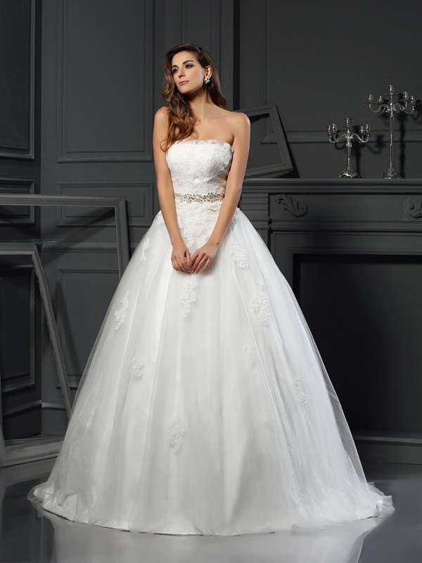 Modern Mood Ball Gown Strapless Applique Long Net Wedding Dresses