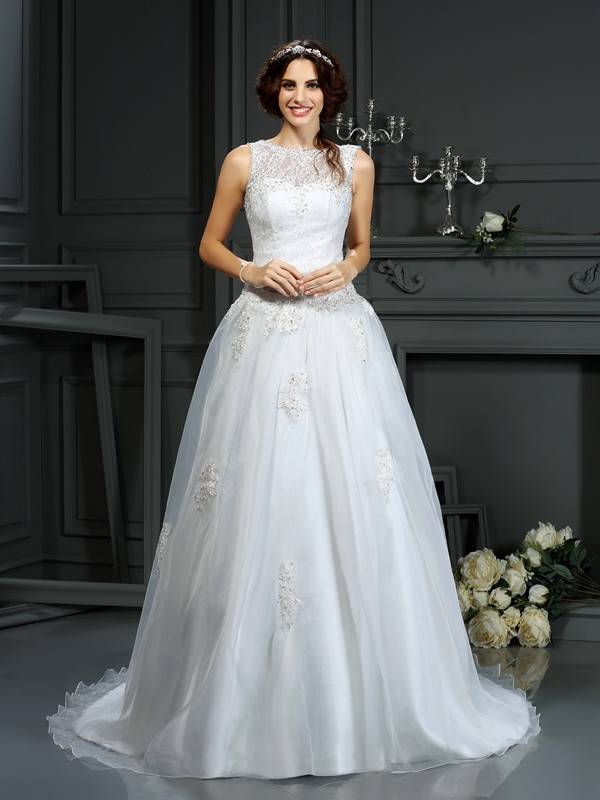 Voiced Vivacity Princess Style Scoop Applique Long Net Wedding Dresses