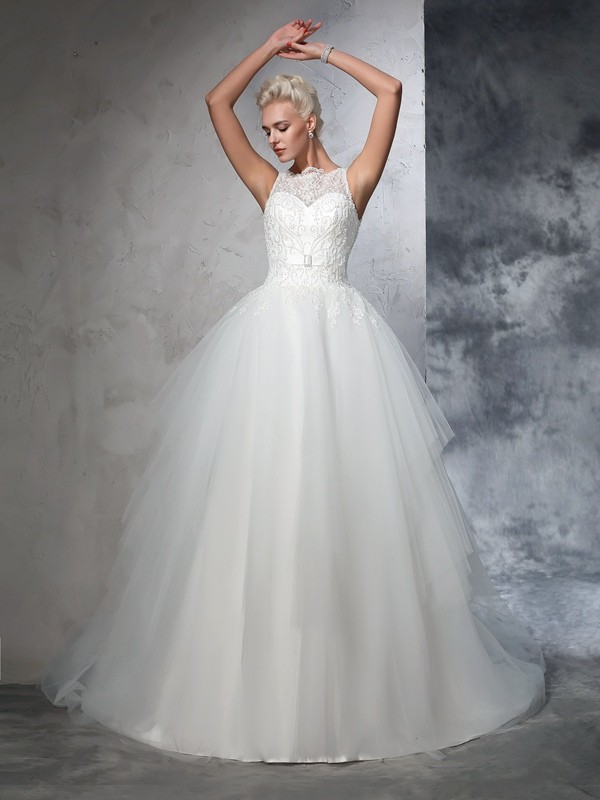 Romantic Vibes Ball Gown Bateau Applique Long Net Wedding Dresses