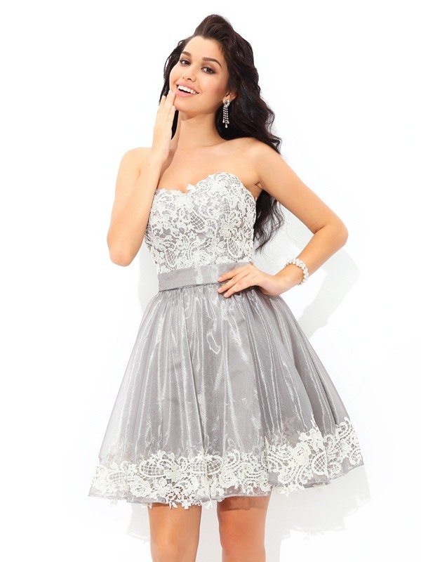 Too Much Fun Princess Style Sweetheart Lace Short Tulle Cocktail Dresses