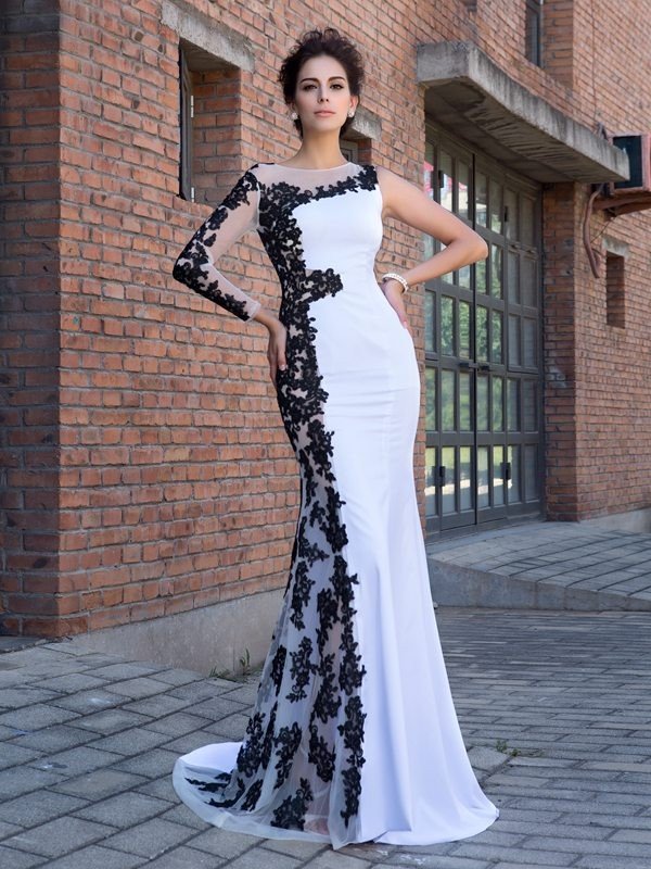 Fresh Picks Mermaid Style Scoop Applique Long Chiffon Dresses
