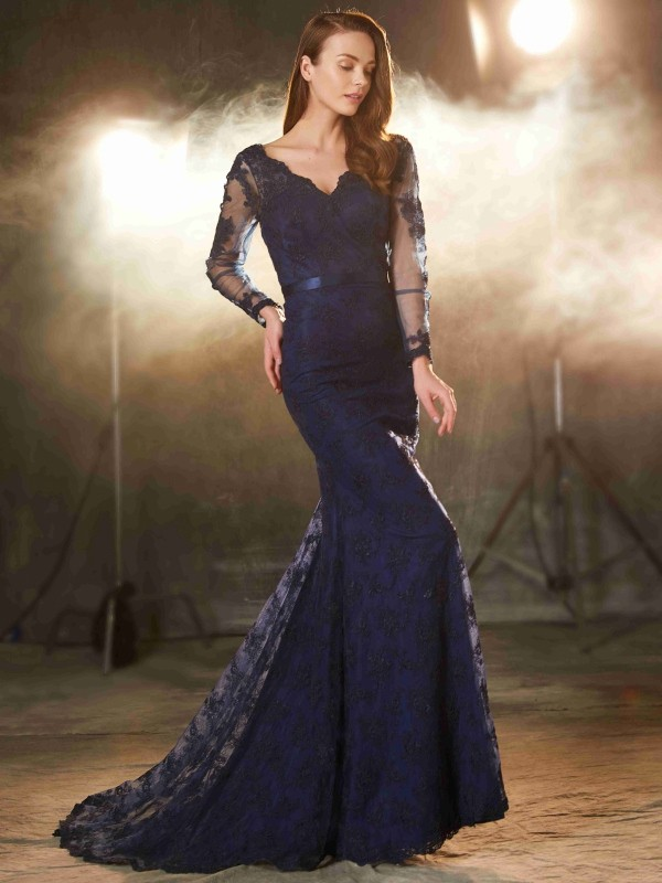 Automatic Classic Mermaid Style V-neck Applique Sweep/Brush Train Lace Dresses