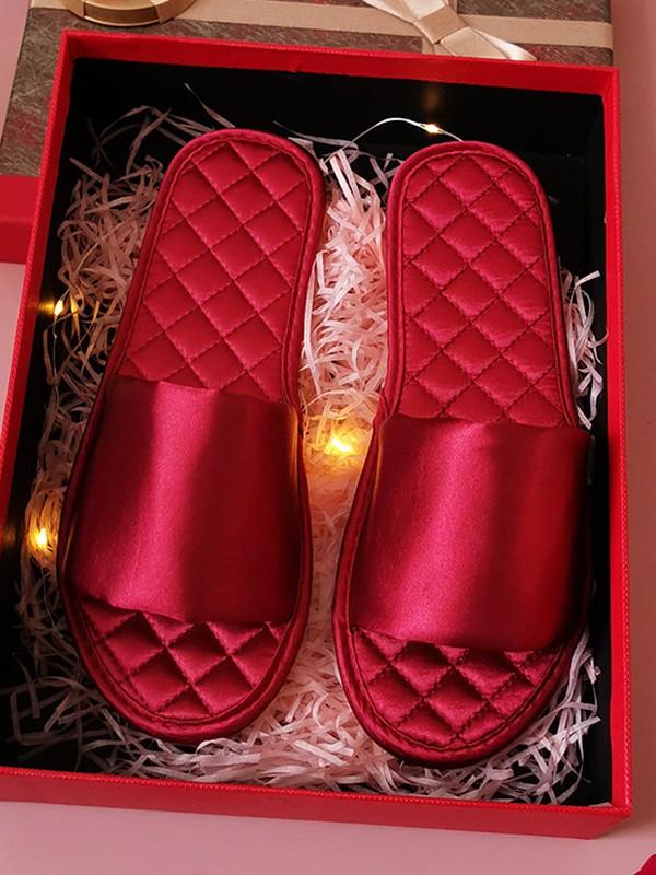 Simple Cloth Groom Slippers