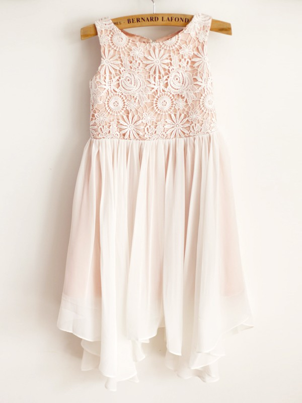 Lovely A-Line Chiffon Lace Scoop Knee-Length Flower Girl Dresses