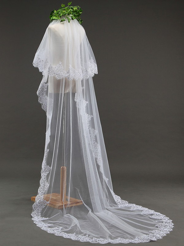 Graceful 2 Layer Tulle With Lace Long Wedding Veils