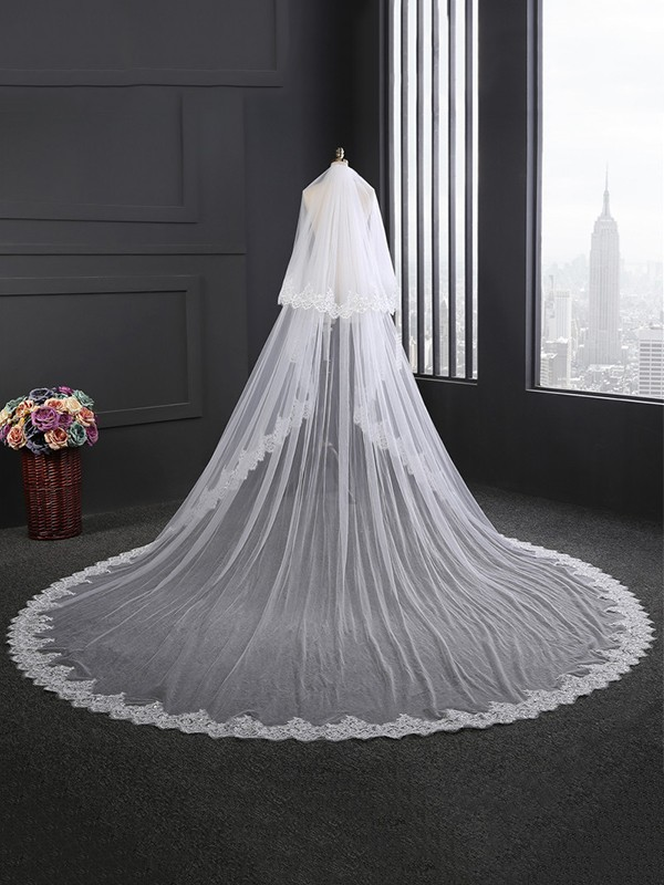 Fashion 2 Layer Tulle With Lace Long Wedding Veils