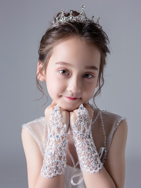 Chic Lace With Rhinestone Wrist Length Gloves
