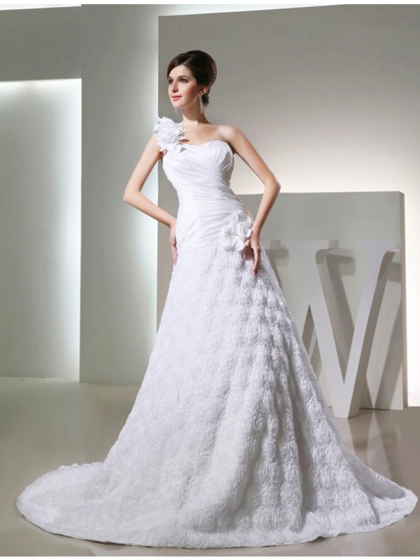 Time to Shine Princess Style One-shoulder Taffeta Hand-made Flowers Long Wedding Dresses