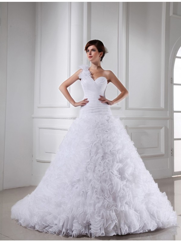Sweet Sensation Ball Gown Beading One-shoulder Sweetheart Long Organza Wedding Dresses