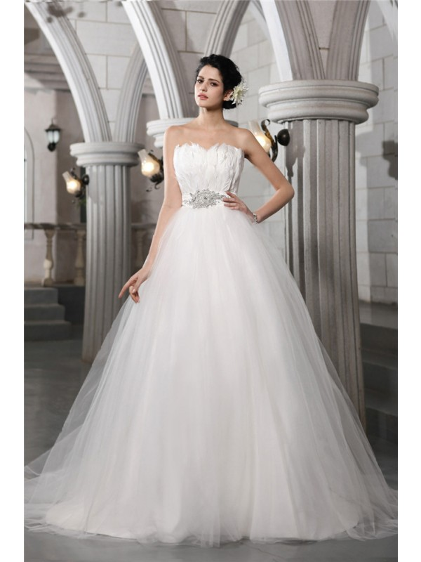 Aesthetic Honesty Ball Gown Strapless Beading Feather Long Net Wedding Dresses