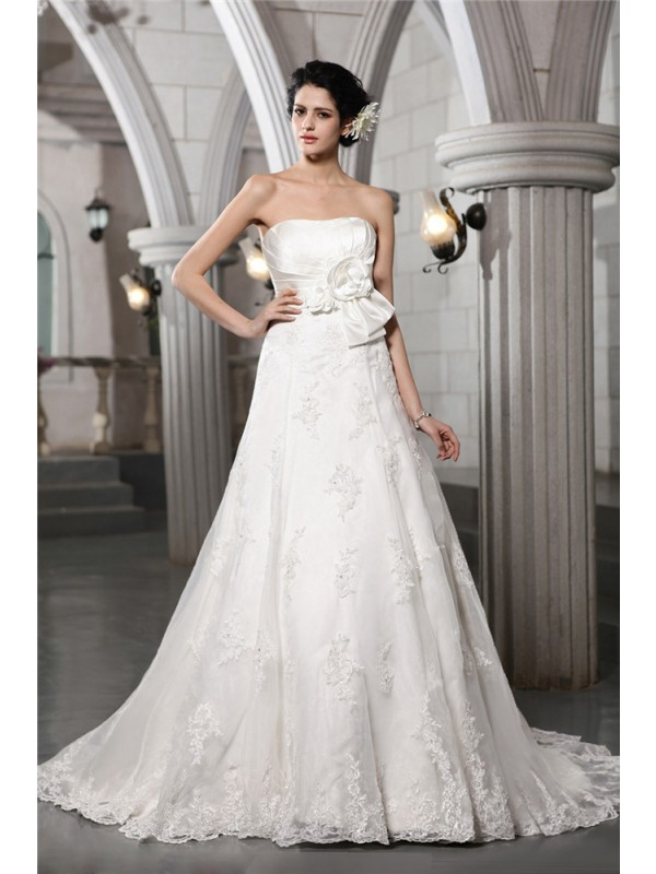 Pleasant Emphasis Princess Style Strapless Beading Applique Hand-Made Flower Long Satin Wedding Dresses