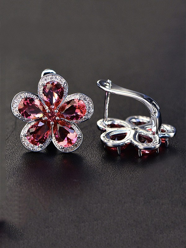 Luxurious S925 Silver With Gemstone Ladies's Earrings