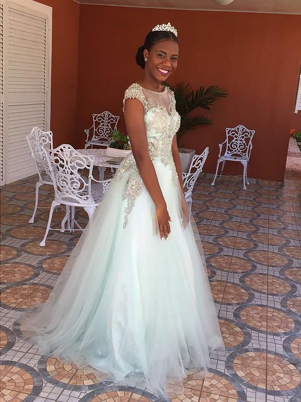 Befits Your Brilliance Princess Style Bateau Floor-Length With Applique Tulle Dresses