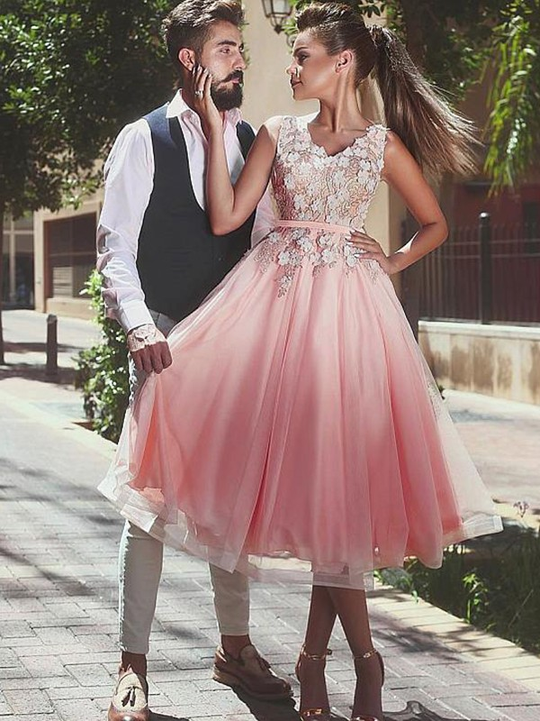 Dancing Queen Princess Style V-neck Lace Tea-Length Tulle Dresses