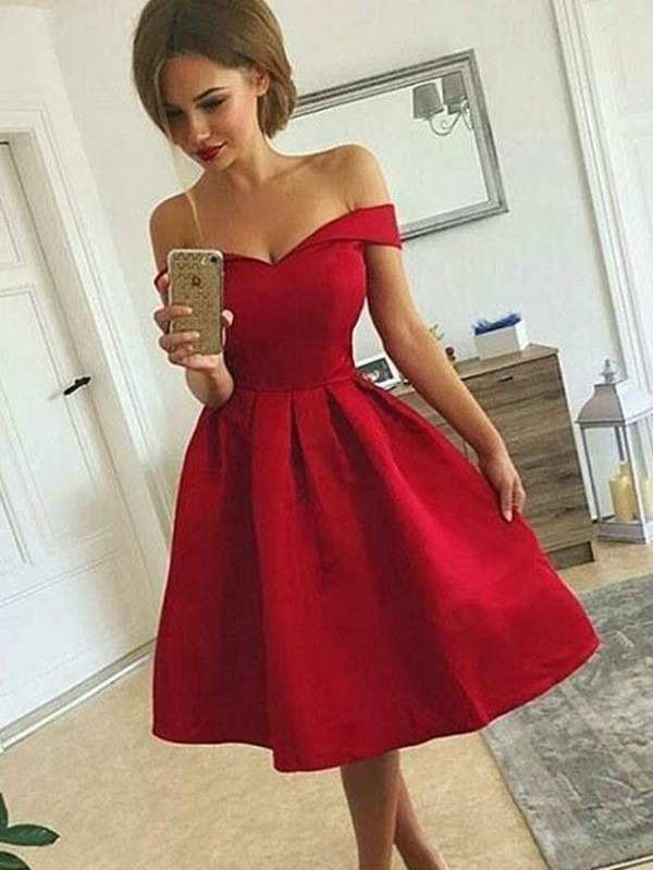Eye-Catching Charm Princess Style Satin Off-the-Shoulder With Ruched Knee-length Dresses