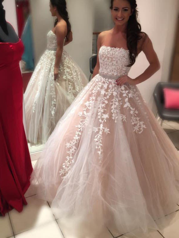 Stylish Refresh Ball Gown Strapless Floor-Length With Applique Tulle Wedding Dresses