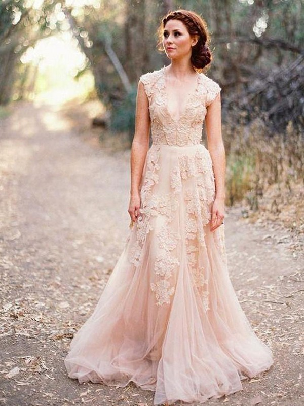 Chic Chic London Princess Style With Applique Tulle V-neck Sweep/Brush Train Wedding Dresses