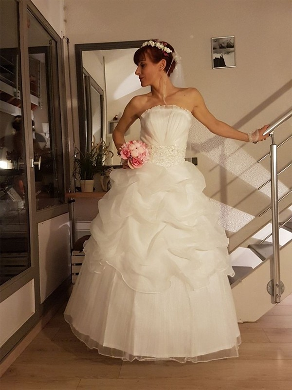 Comfortably Chic Ball Gown Strapless With Ruffles Floor-Length Tulle Wedding Dresses