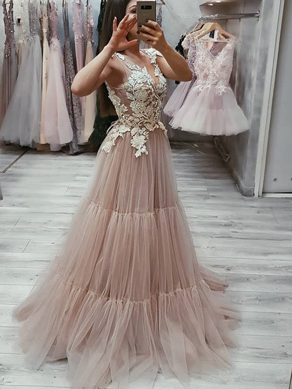 Too Much Fun Princess Style V-neck Sweep/Brush Train Applique Tulle Dresses