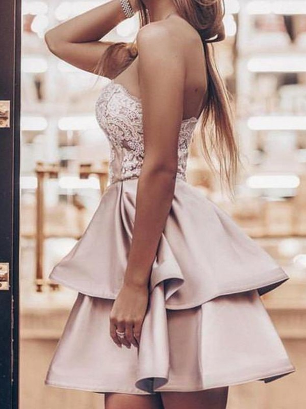Naturally Chic Princess Style Satin Applique Strapless Short/Mini Homecoming Dresses
