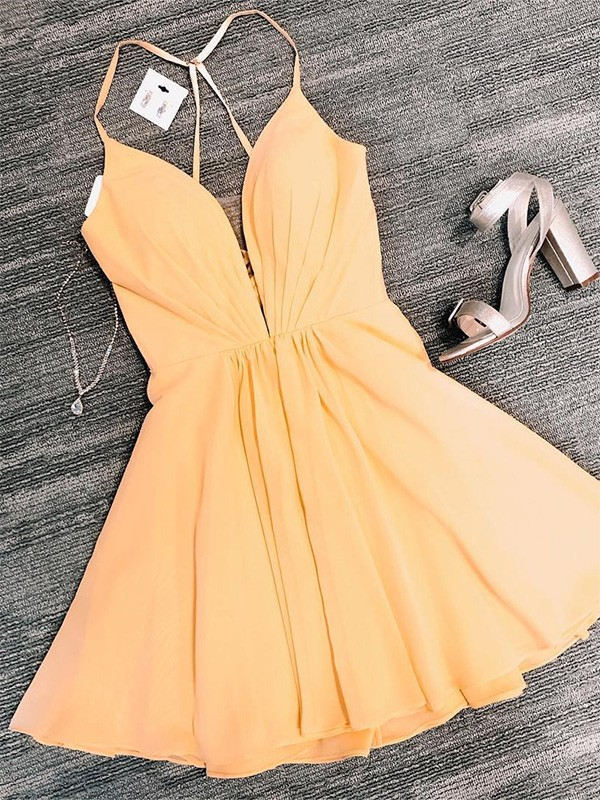 Pretty Looks A-Line Chiffon V-neck Ruffles Short Homecoming Dresses
