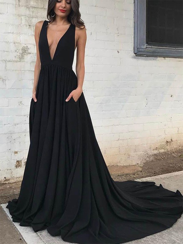 Dancing Queen A-Line Ruffles V-neck Jersey Train Black Prom Dresses