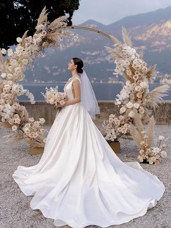 A-Line/Princess Straps Sleeveless Satin Ruffles Court Train Wedding Dresses