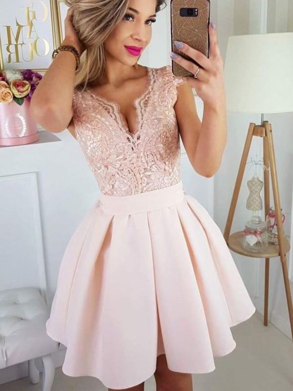 A-Line/Princess Short Sleeves Sweetheart Satin Applique Short/Mini Dresses