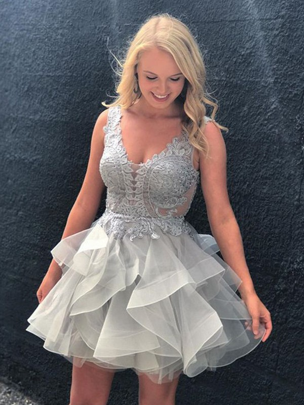 Open to Adoration Princess Style V-neck Applique Short/Mini Tulle Dresses