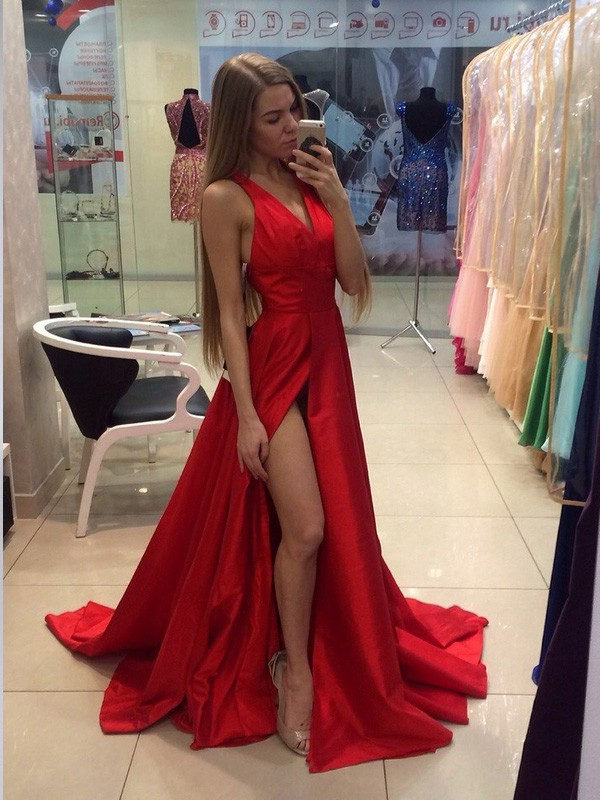 Confident Option Princess Style Halter Sweep/Brush Train Taffeta Dresses