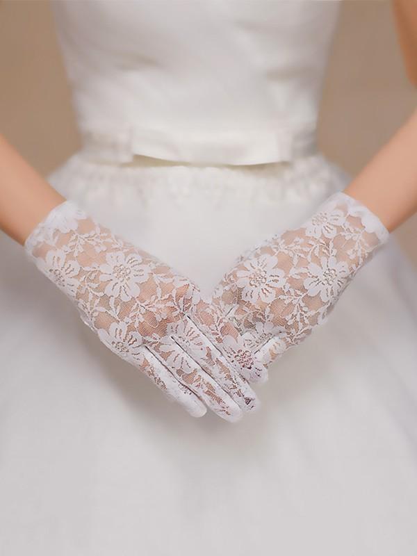Elegant Lace Wedding Gloves