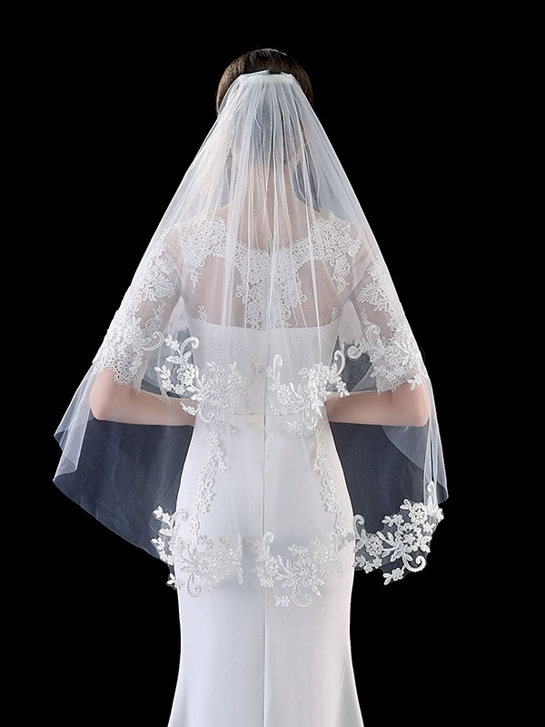 Attractive Tulle With Applique Wedding Veils
