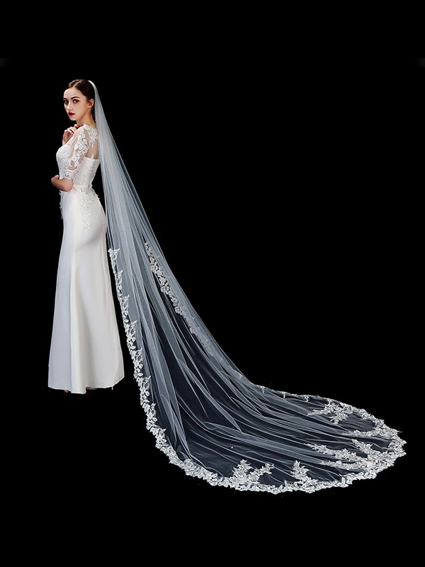 Elegant Tulle One-Tier With Applique Cathedral Bridal Veils