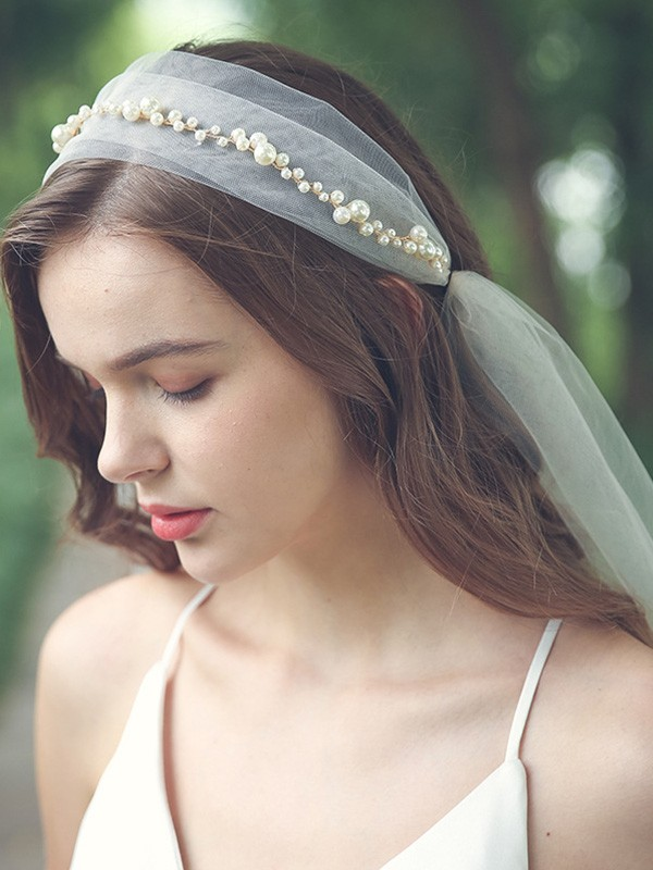 Charming Tulle One-Tier With Imitation Pearl Elbow Bridal Veils