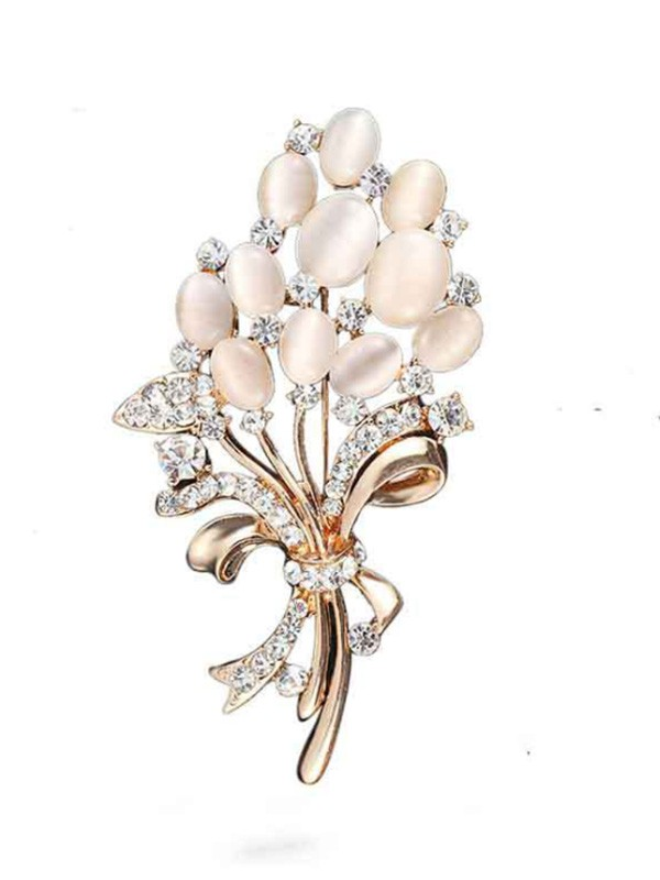 Charming Alloy With Rhinestone Ladies' Brooch